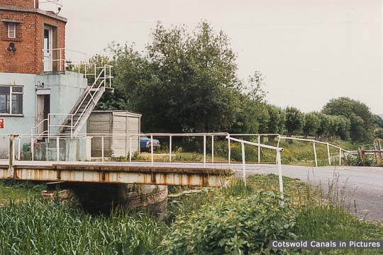Bond's Mill Bridge, Stonehouse
