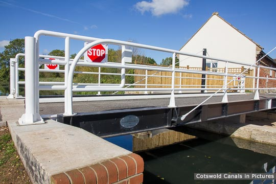 Ocean Swing Bridge, Stonehouse