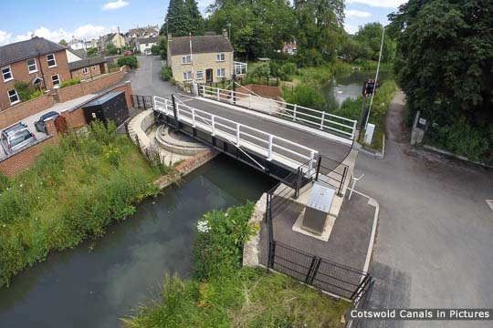 Chestnut Lane Bridge - view towards Stroud
