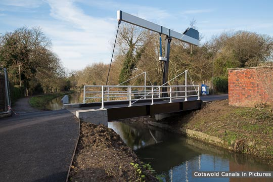 Lodgemore Bridge, Stroud - the first of a new design of lift bridge