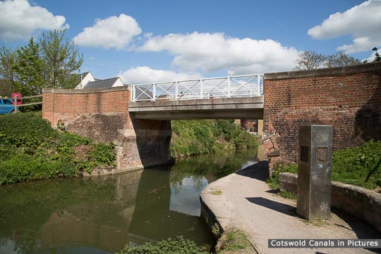 Oil Mills Bridge, Ebley