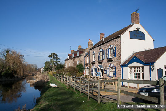 'Canal Row' & Ship Inn, Upper Framilode