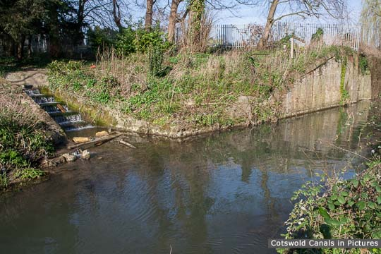 Ruscombe Brook Feeder, Dudbridge Locks