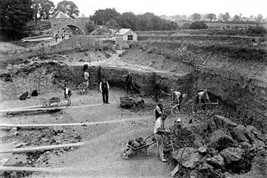 1904 view of clay pit near Blue House Bridge and house (in background)