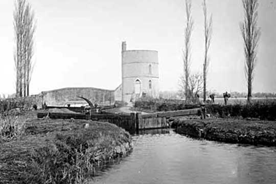 1890 view of Inglesham Lock, Bridge and Roundhouse