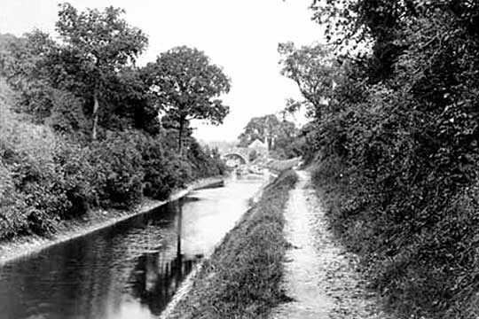 1904 view of canal approaching Blue House Bridge