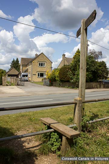 Site of Greyhound Bridge, Siddington
