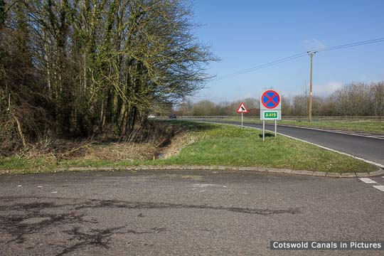 Site of lock - somehere in this vicinity! (A419 far right)