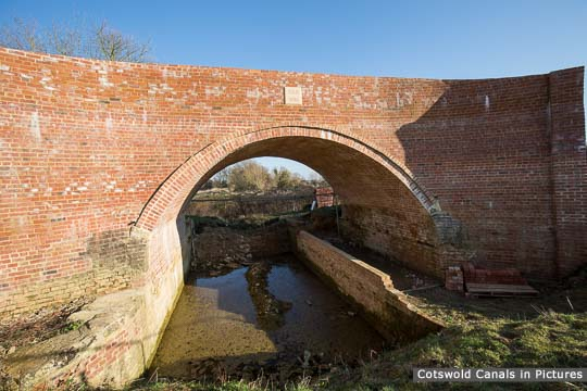 New Weymoor Bridge, Latton - structure now complete