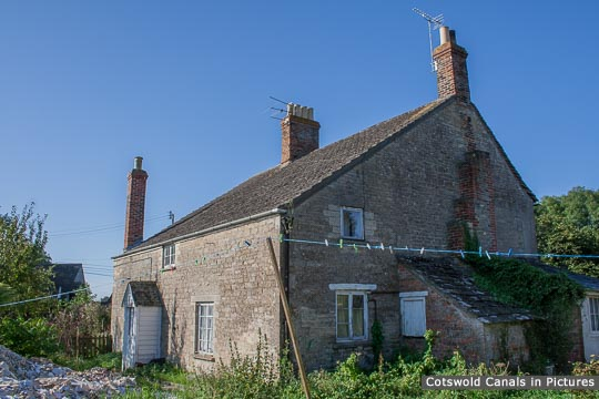 Wharf House, Siddington